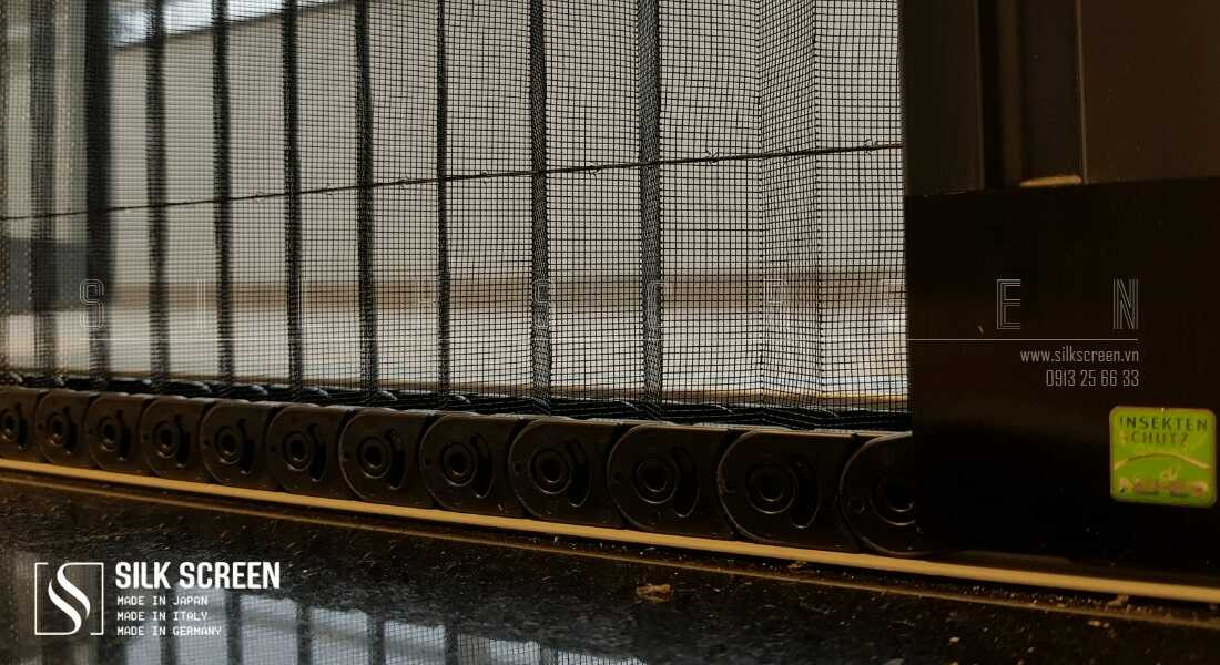 Cửa lưới chống muỗi xếp có ray 3