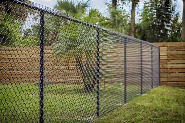 hàng rào cửa lưới